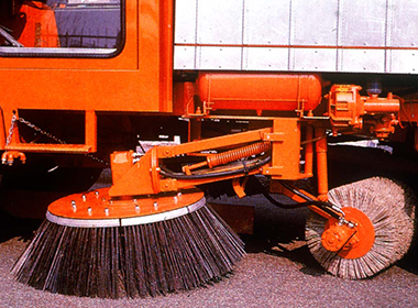 Brush wire for street sweepers